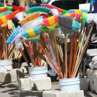 Sans paroles/Wordless : bouquet de balais/bunch of brooms